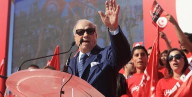 السبسي يطلق حملته الانتخابية من مرقد بورقيبة