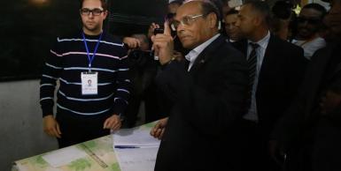 رئيس الجمهورية والمترشح للرئاسيات يدلي بصوته بالقنطاوي بسوسة