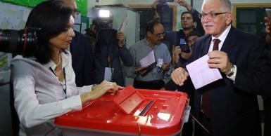 كمال مرجان ينتخب في تونس العاصمة