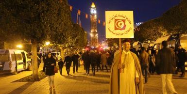 السبسي يختتم حملته الانتخابية في شارع الحبيب بورقيبة