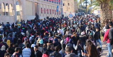 مسيرة للتلاميذ المطالبين بارجاع 25٪